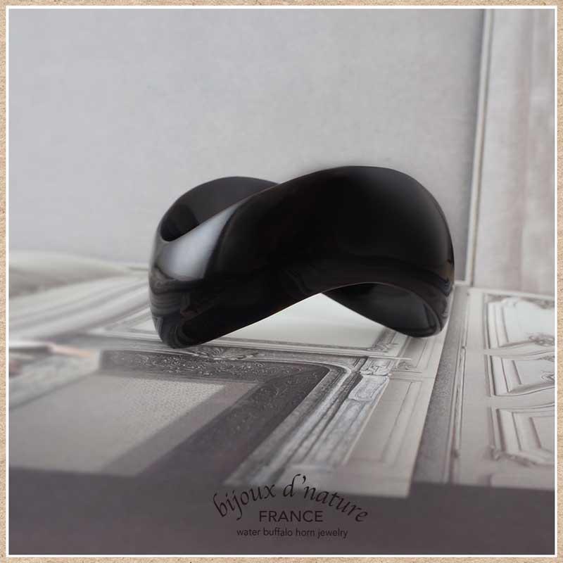 水牛の角 バングル(黒)