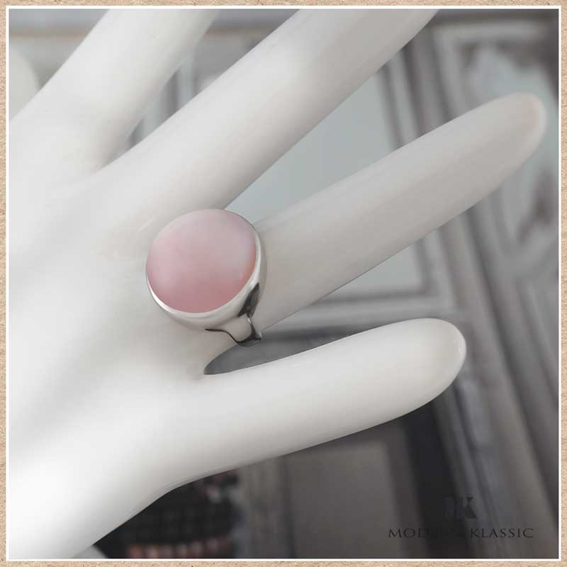 変色しないエターナルシルバーとピンクオパールのリング(指輪)